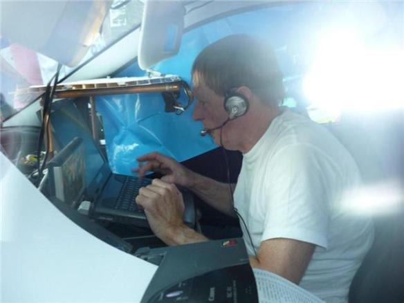 Sjaak Sinke werkt zich in het zweet tijdens de ZLM Don Stadsloop. foto Koen de Vries