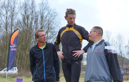 Met Jan Giljam en Ron Dellebeke op het podium. foto Huin Boogert